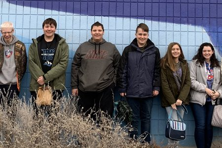 Marine Biology students experience hands-on learning at VIA Aquarium